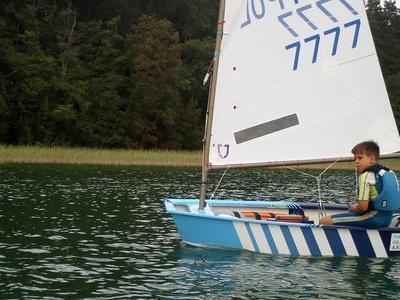 Obóz nad jeziorem 13