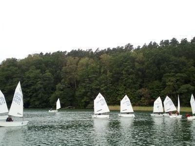 Obóz nad jeziorem 11