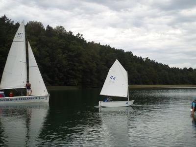 Obóz nad jeziorem 21