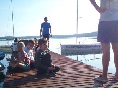 Obóz nad jeziorem 18