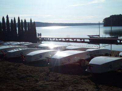 Obóz nad jeziorem 16